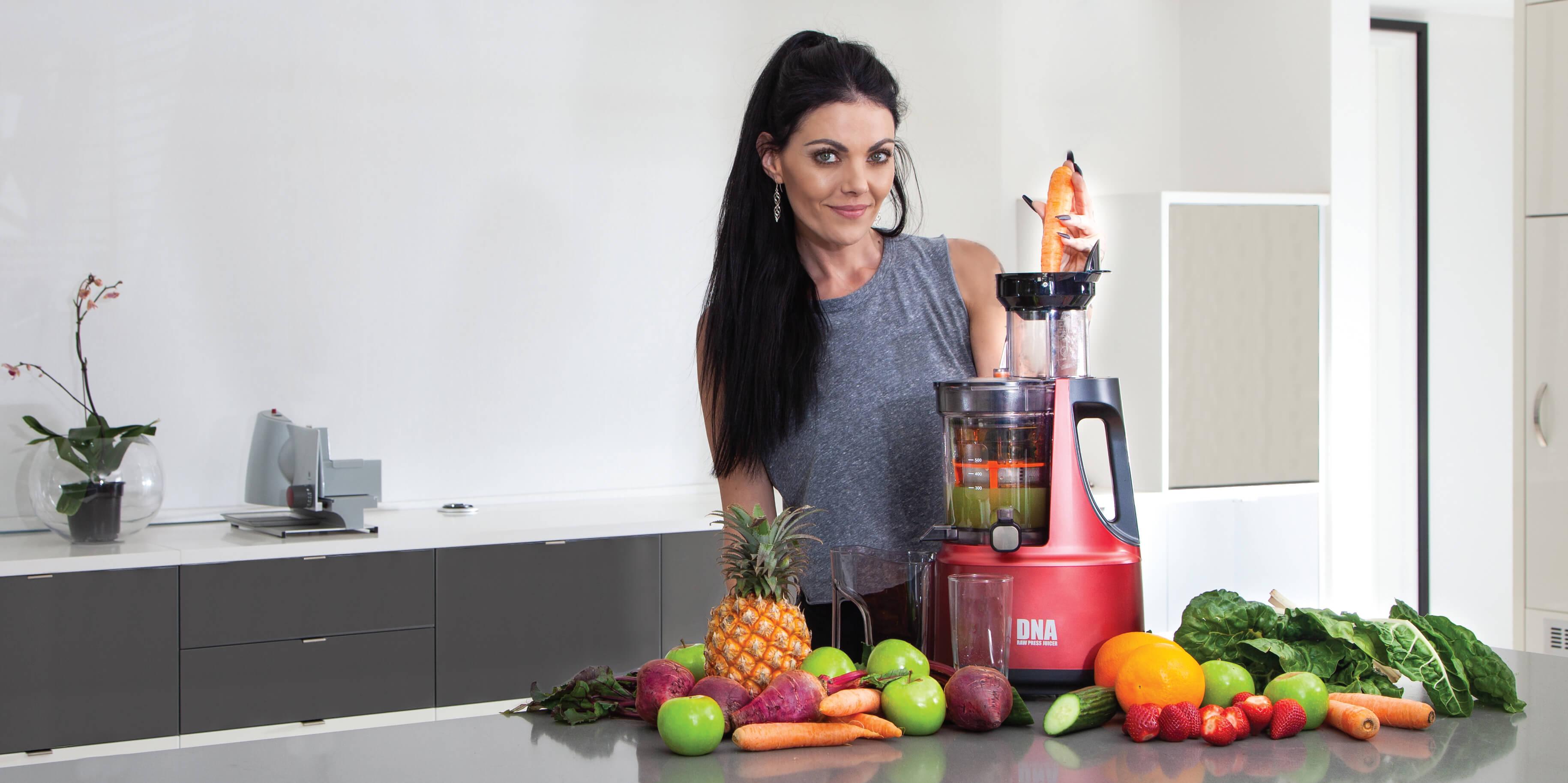 DNA Raw Press Juicer Making Carrot Juice